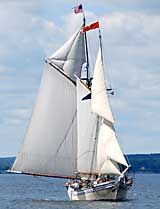 Schooner Heritage under sail