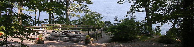 Ocaeanfront picnic tables at Megunticook By The Sea